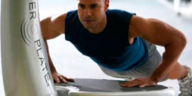 Entrenamiento de vibración de cuerpo completo para mejorar en fuerza y potencia