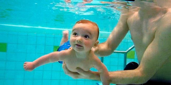 bebe-piscina