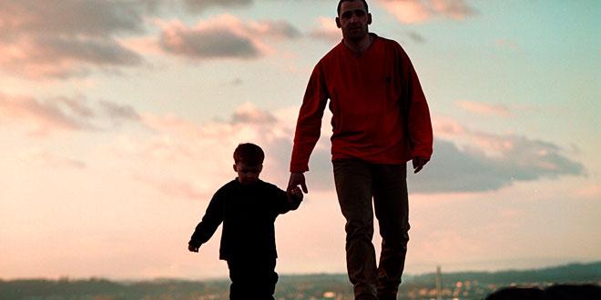 padre-e-hijo-senderismo