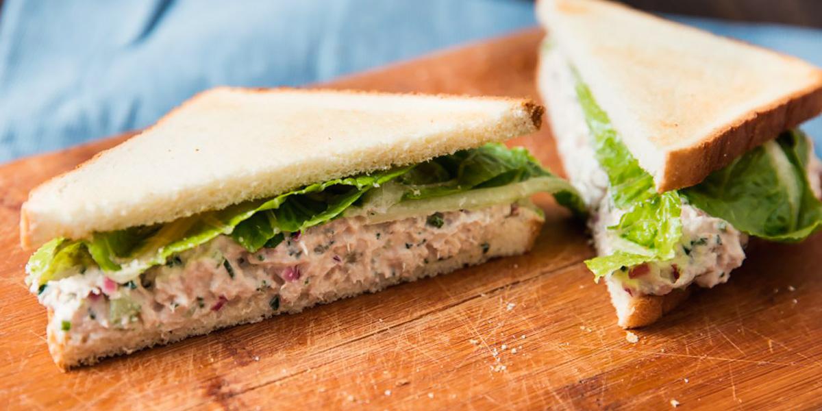 Sandwich de atún para desayunar