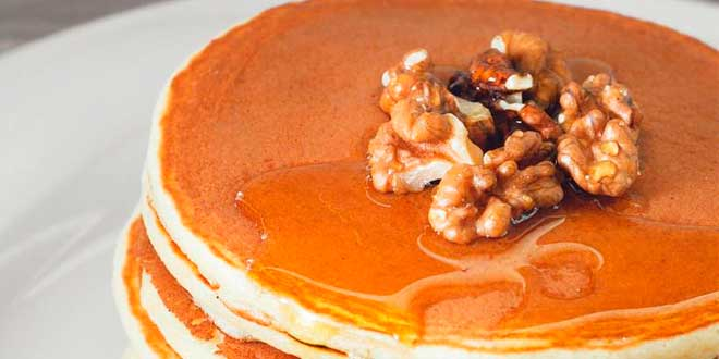 Oat Pancakes with Carrot and Walnuts