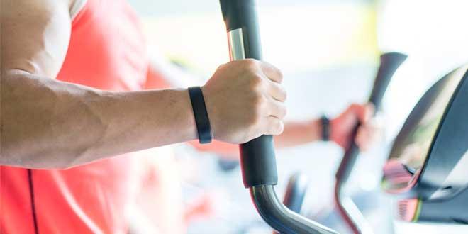 4 razones para hacer cardio en bicicleta elíptica