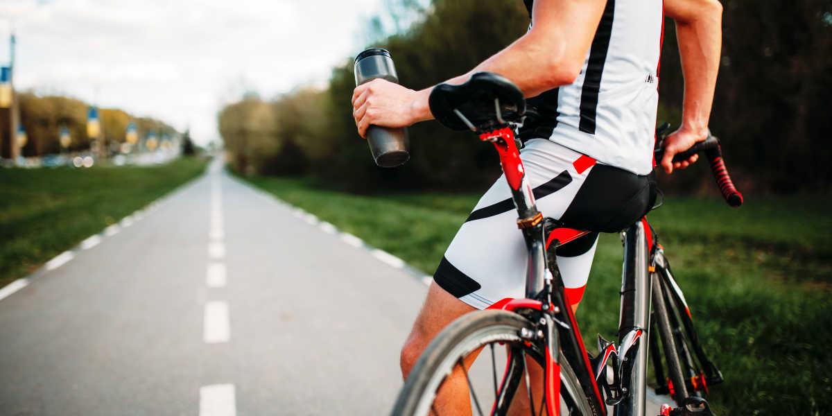 ¿Cómo deben tomar la proteína los ciclistas?