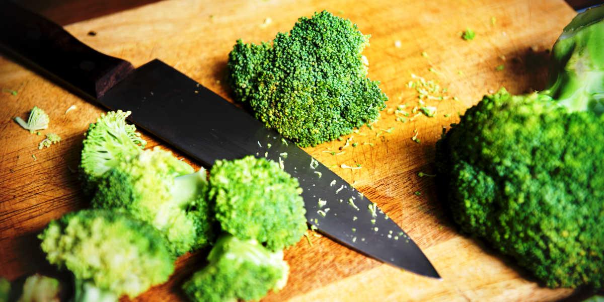 ¿Qué cantidad de proteínas vegetales te aporta el brócoli?