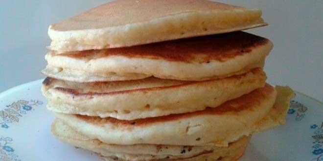 Pancakes à l'Avoine avec des Blancs à la neige