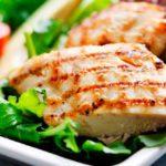 cuánta proteína tiene el pollo