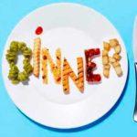 ¿Se deben evitar comer carbohidratos en la noche?