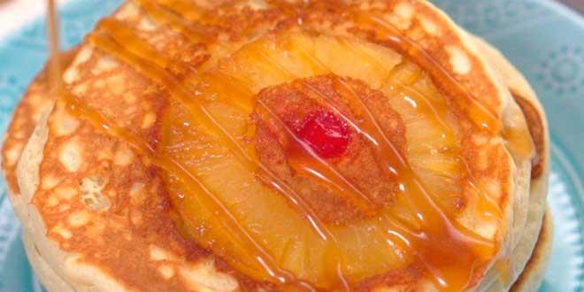 Tortitas de Avena y Claras con Piña y Miel