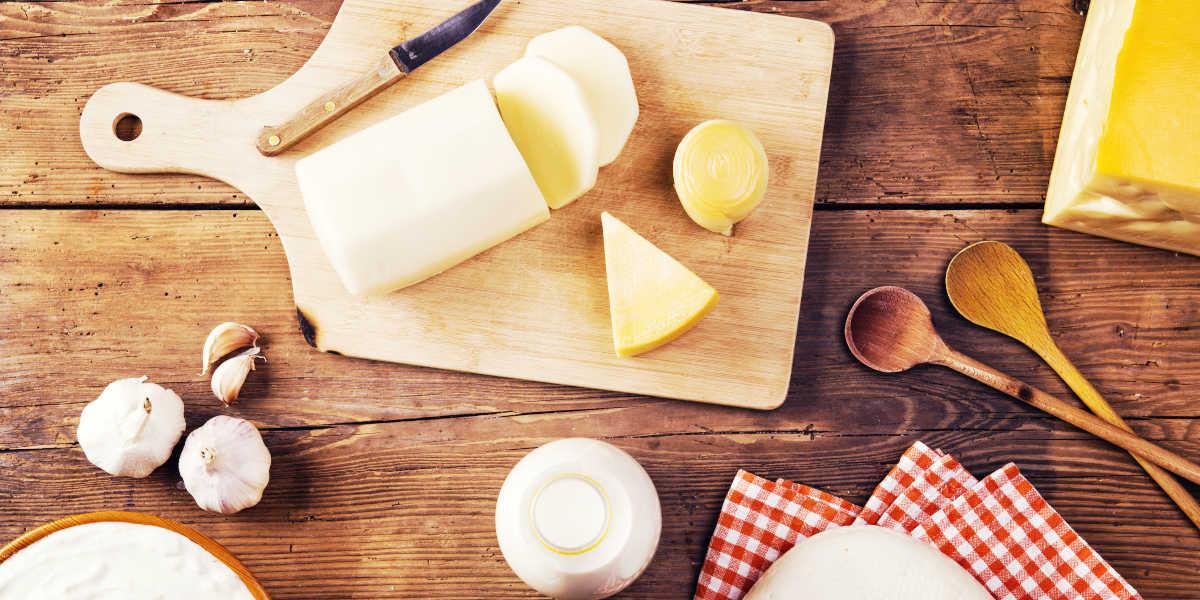¿Qué cantidad de B12 aportan los lácteos?