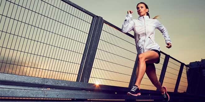 Calcio para mujeres corredoras