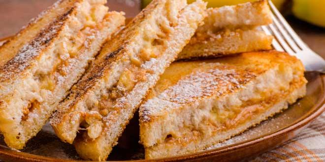 Sandwich de Mantequilla de Cacahuete con Miel