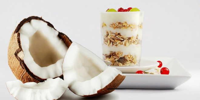 Cómo tomar leche de coco