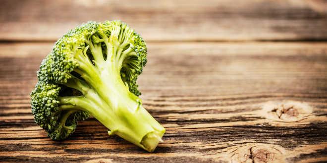 Fuente natural vitamina K: brócoli