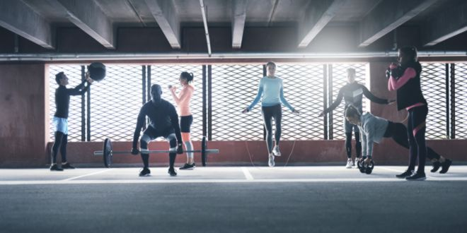 ¿Cómo entrenar CrossFit en un gym convencional?