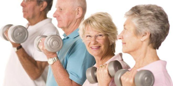 Curl de biceps en mayores