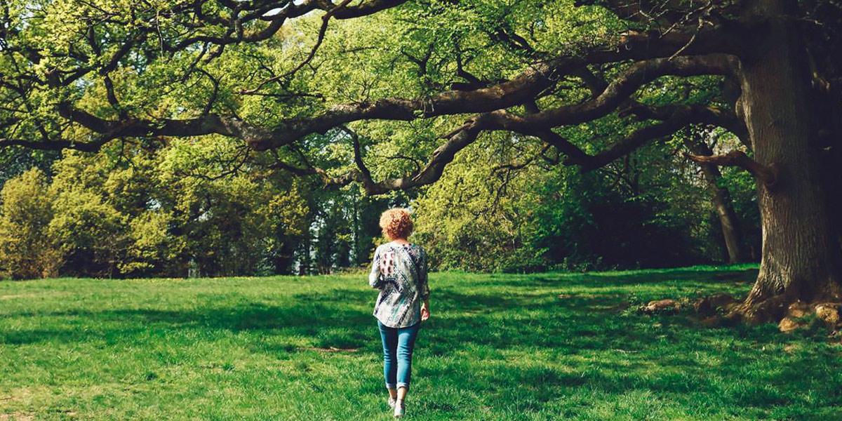 Caminar por la naturaleza