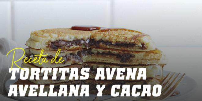 Tortitas de Avena y Claras con Crema de Avellana y Cacao