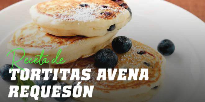 Tortitas de Avena con Requesón y Arándanos