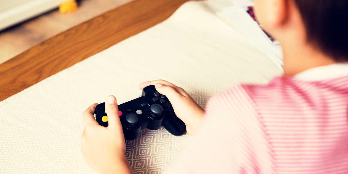 ¿Deben jugar a videojuegos los niños en la cuarentena?