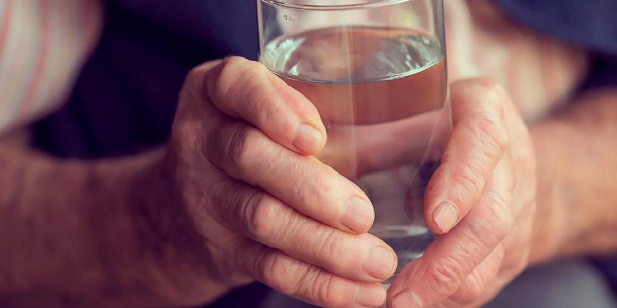 Hidratación en adultos mayores