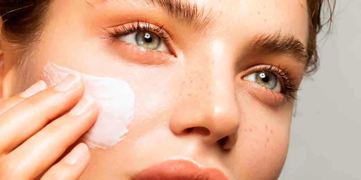 Crema hidratanta para cuidados rostro