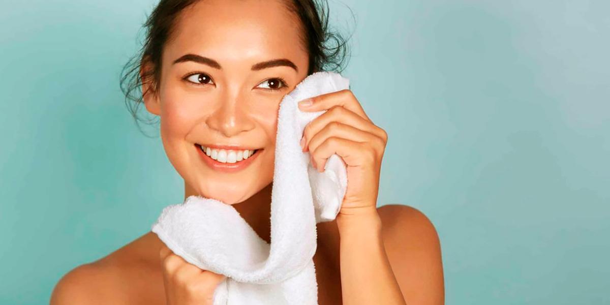 Pauta diaria para el cuidado del rostro