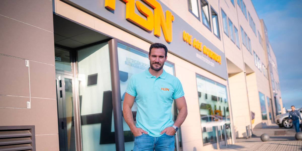 Saúl Craviotto en su visita a HSN en Granada