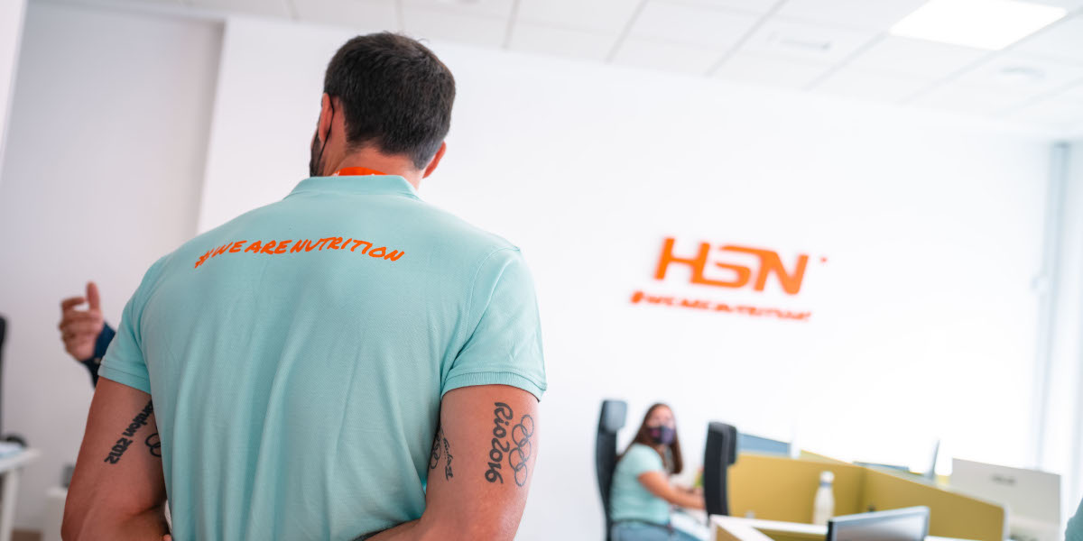 Saúl Craviotto en las oficinas HSN