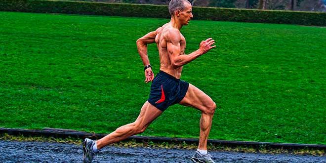 Rotina de ginásio e exercícios de força para corredores de longa distância
