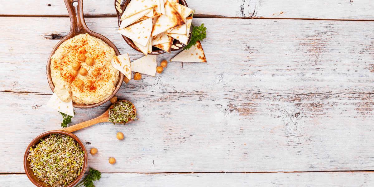 Hummus para acompanhar outros alimentos