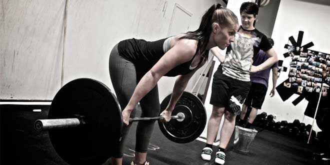 Rematore con bilanciere: tecnica, esecuzione, muscoli coinvolti
