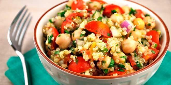 Ricetta dell'insalata di quinoa e ceci