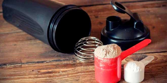 Frullato di proteine per aumentare la massa muscolare