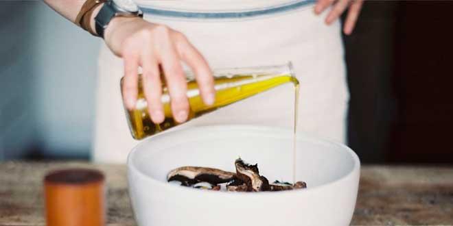 Benefici dell'olio di lino per le donne