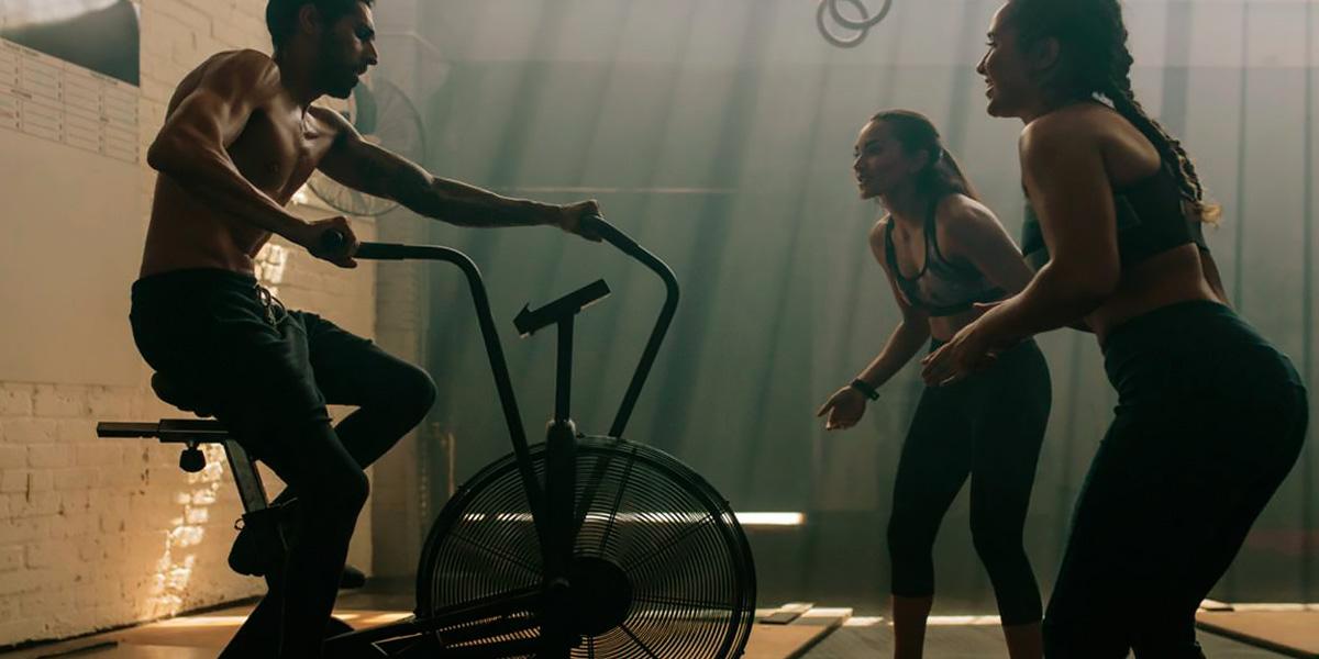 Allenamento su assault air bike