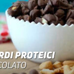 Anacardi proteici al cioccolato