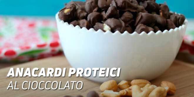 Anacardi Proteici Ricoperti di Cioccolato