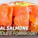 Snack al salmone guacamole e formaggio