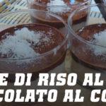 Tazze di riso al cioccolato al cocco