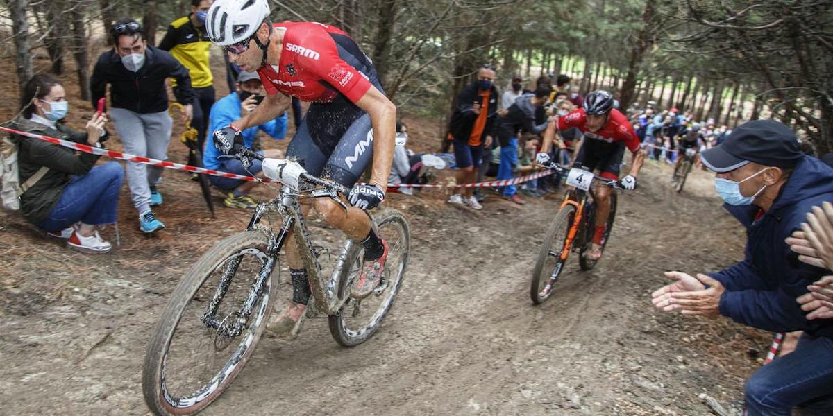 Miglioramento prestazioni ciclismo esercizio palestra