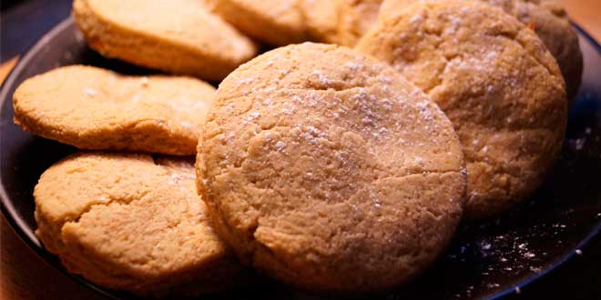 Biscuits rich in protein