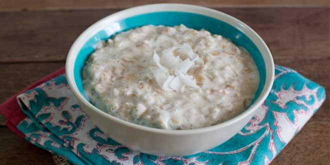 Oat Porridge with Coconut Milk and Honey