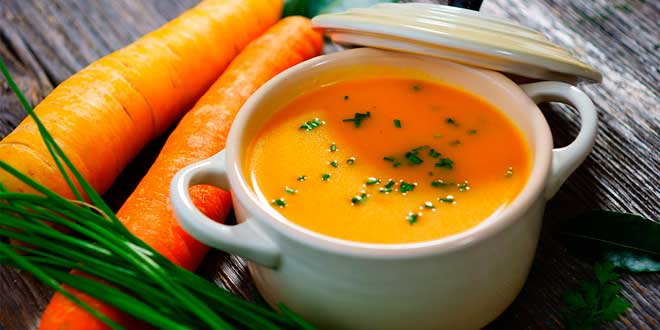 Recipe to make a Carrot Soup with Coconut Milk