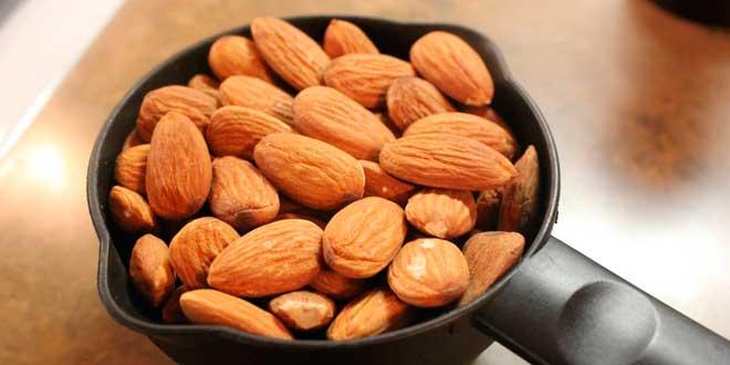 Almonds, magnesium and calcium