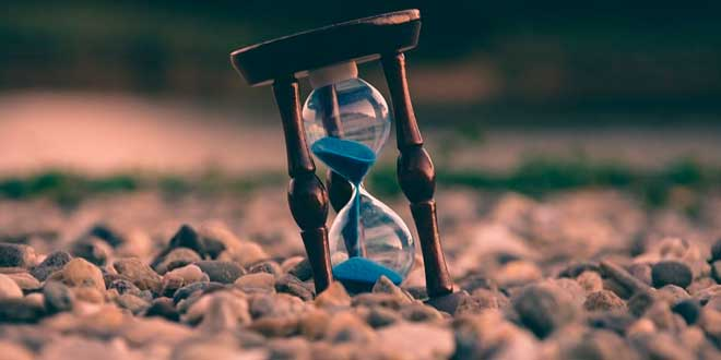 Hour glass, the effects of aging