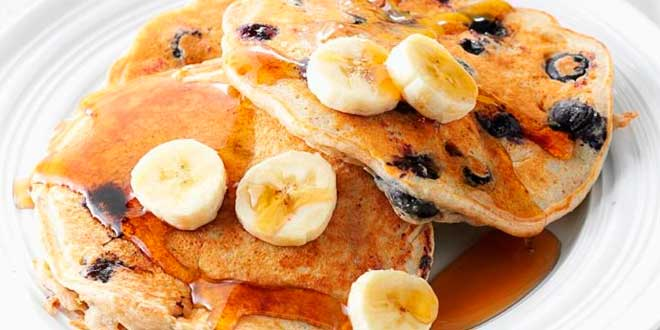 Oat Pancakes with banana and blueberries