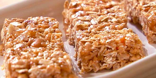 Oat protein bars