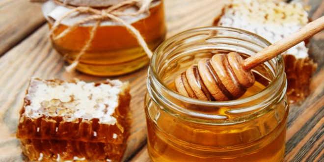 Royal jelly and honey