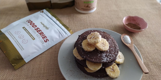 Pancakes with cocoa and coconut