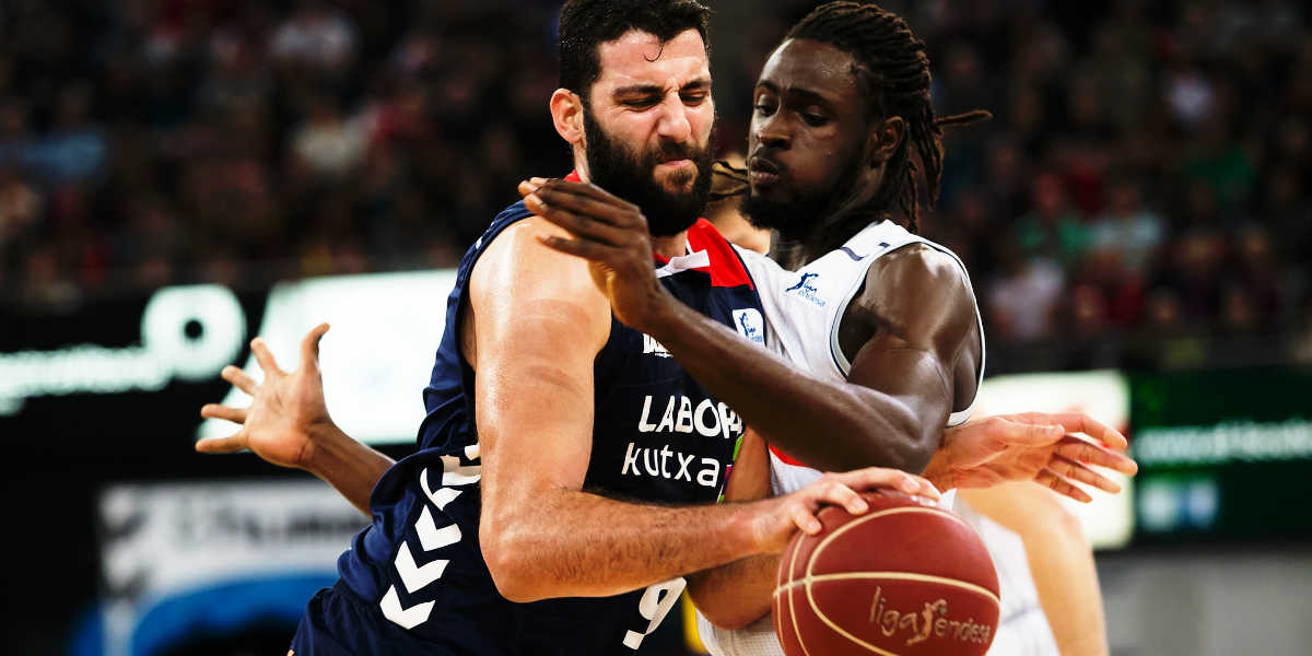 Basketball pivot dispute